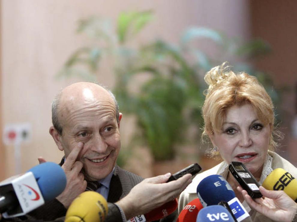 El ministro de Educación, Cultura y Deporte, José Ignacio Wert, junto a Carmen Thyssen