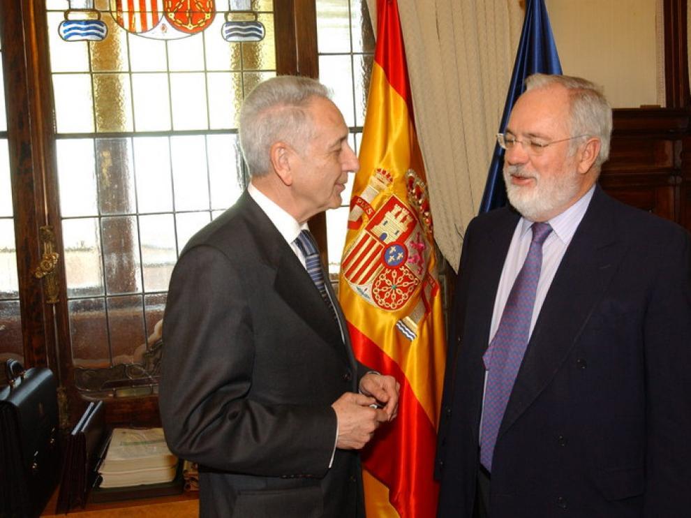 Modesto Lobón y Miguel Arias Cañete, este martes en el Ministerio de Agricultura