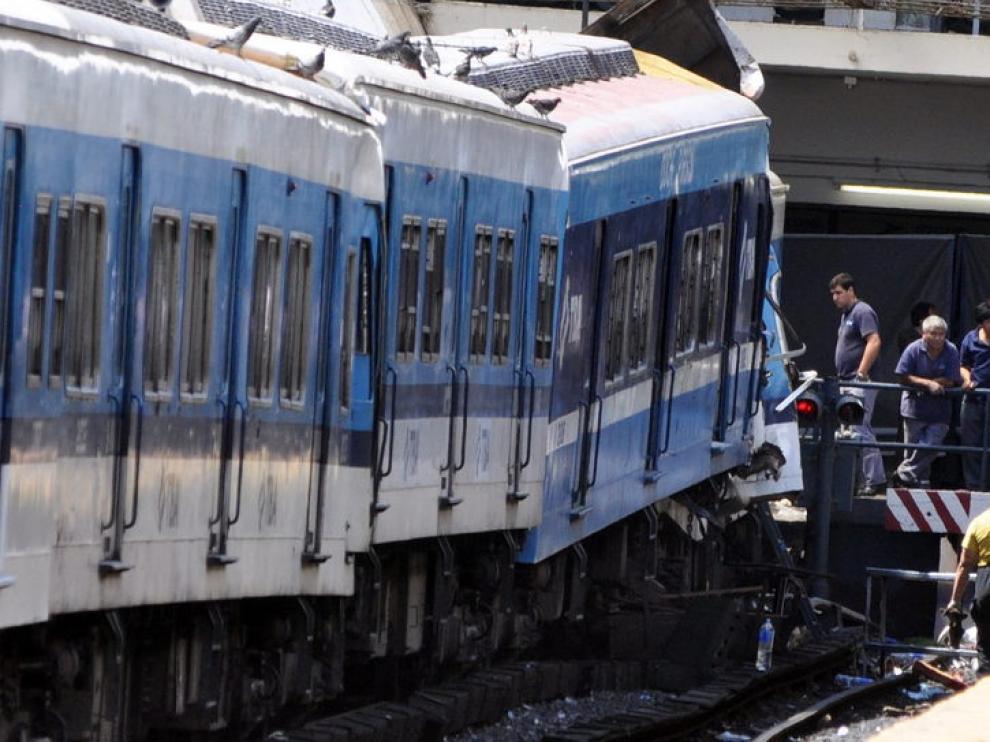 Descarrila un tren en una céntrica estación de Buenos Aires y provoca la muerte de más de 50 personas y cerca de 600 heridos