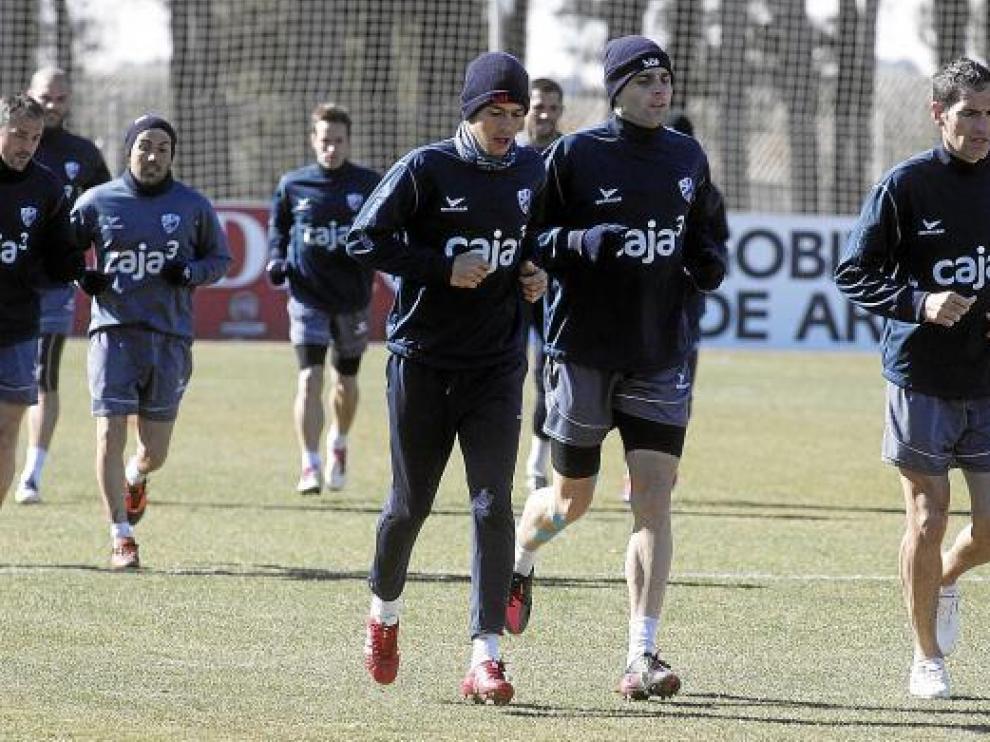 Josetxo, a la derecha de la imagen, junto a Molina y Núñez al comienzo del entrenamiento de ayer.