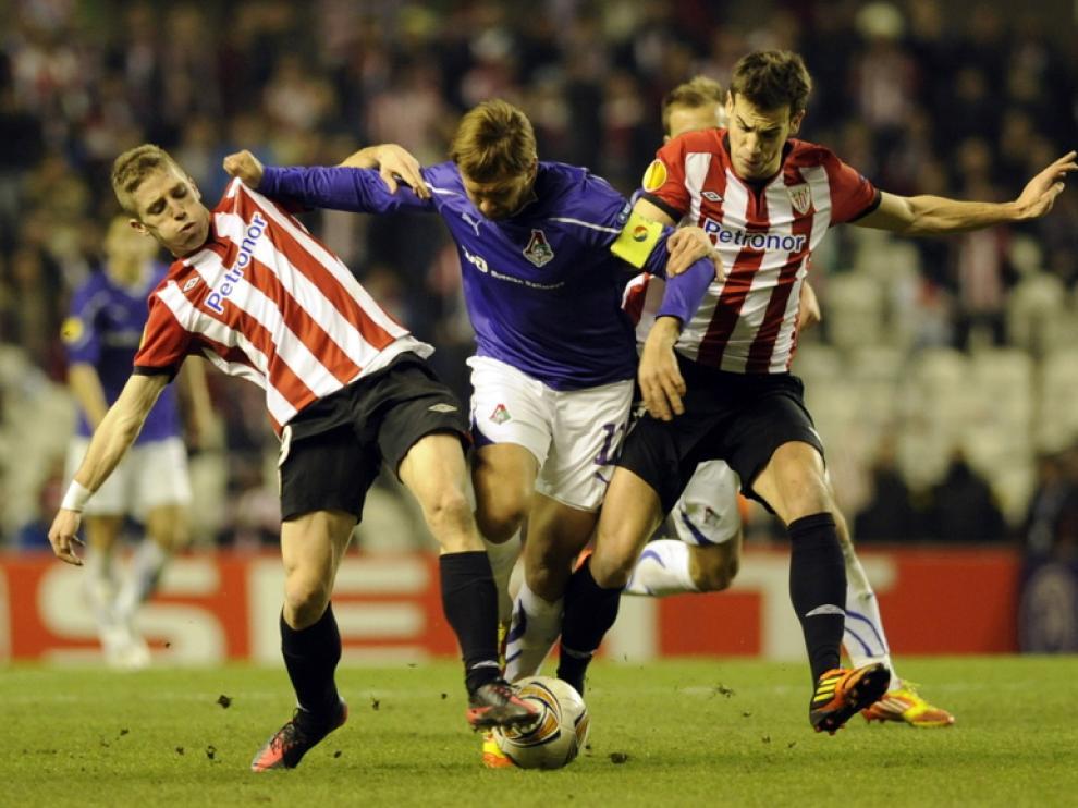 Iker Muniain, a la izquierda, durante un partido del Athletic
