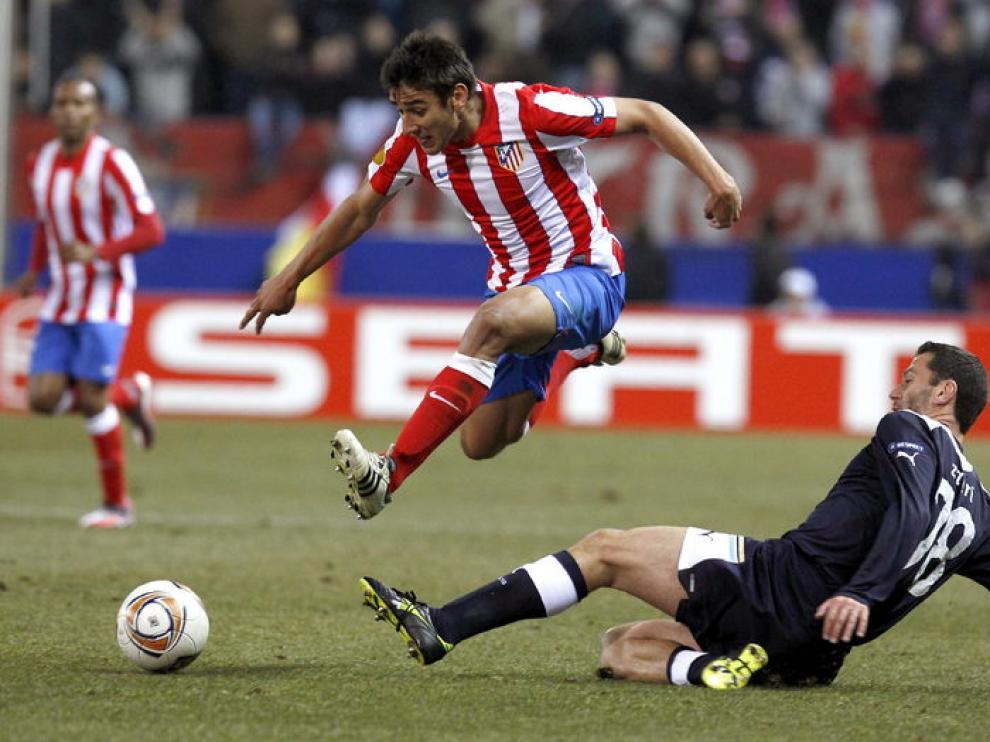 Una jugada del partido entre el Atlético de Madrid y el Lazio