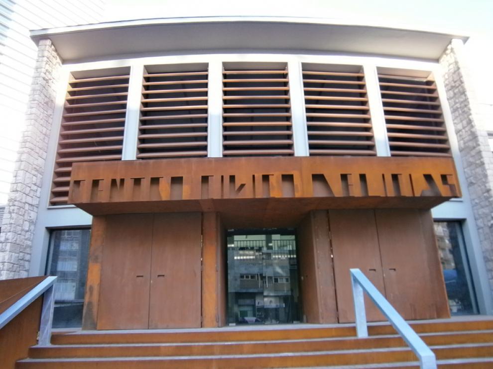 Entrada del Centro Cívico de Delicias