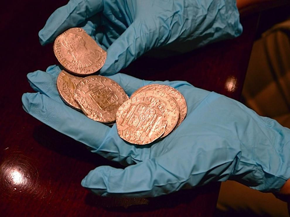 Parte de las monedas del tesoro
