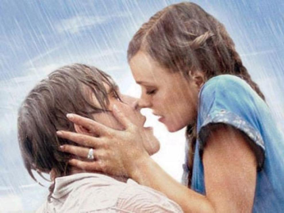 Ryan Gosling y Rachel McAdams en el papel de Noa y Allie.