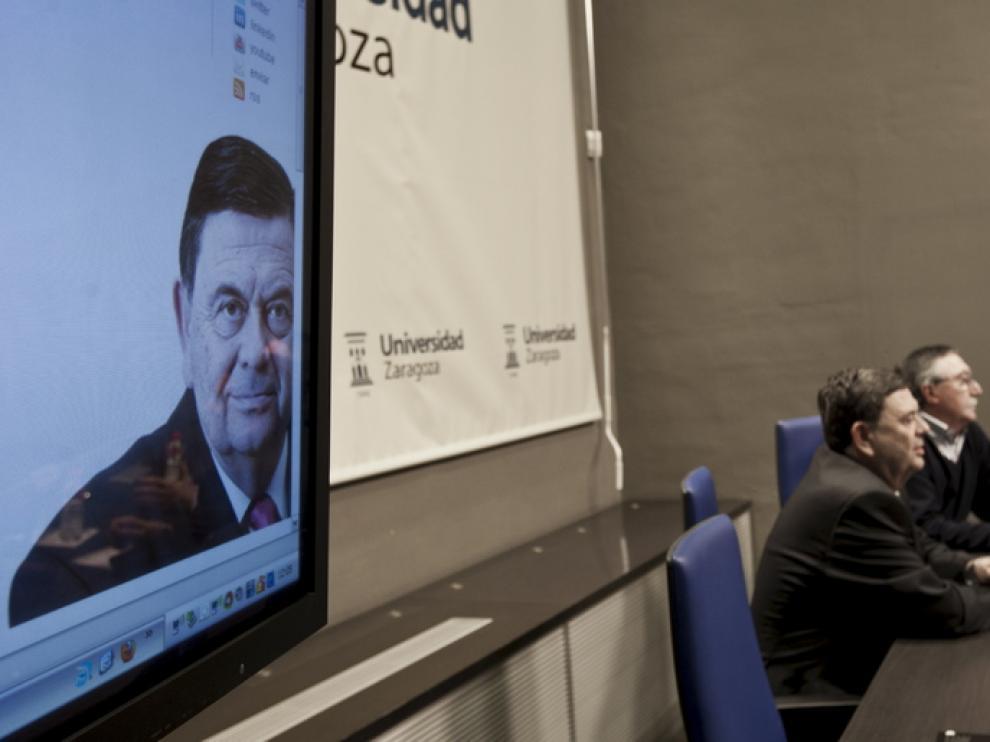 Manuel López presenta las líneas de su campaña