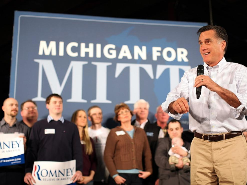 Mitt Romney durante su campaña electoral en Michigan.