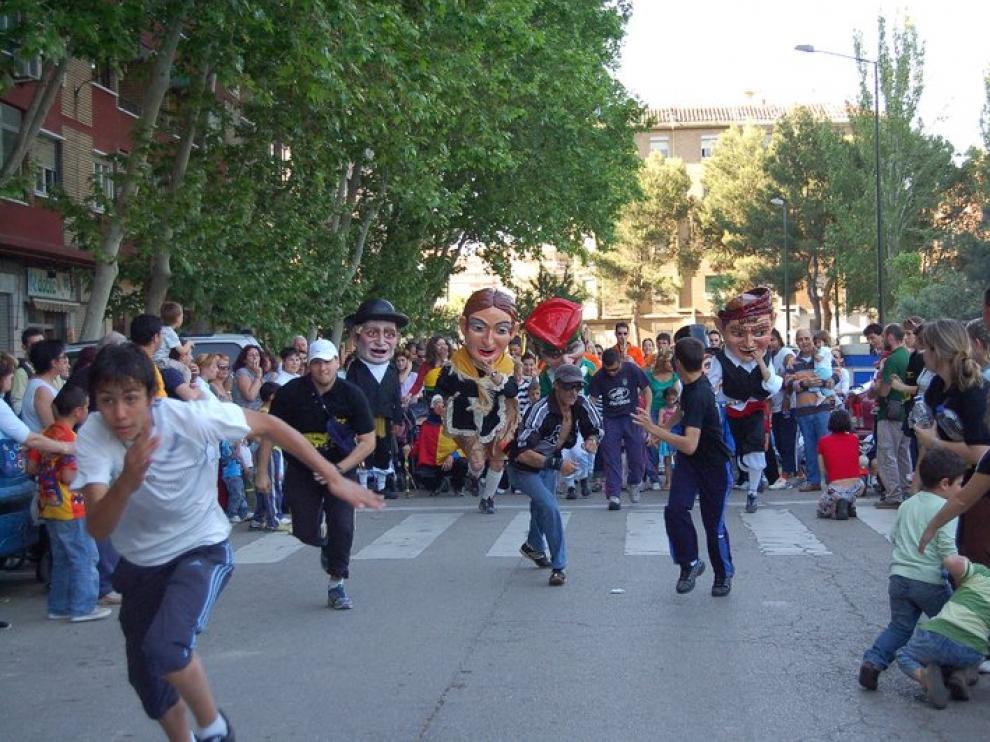 Los cabezudos en las fiestas del Arrabal del año pasado