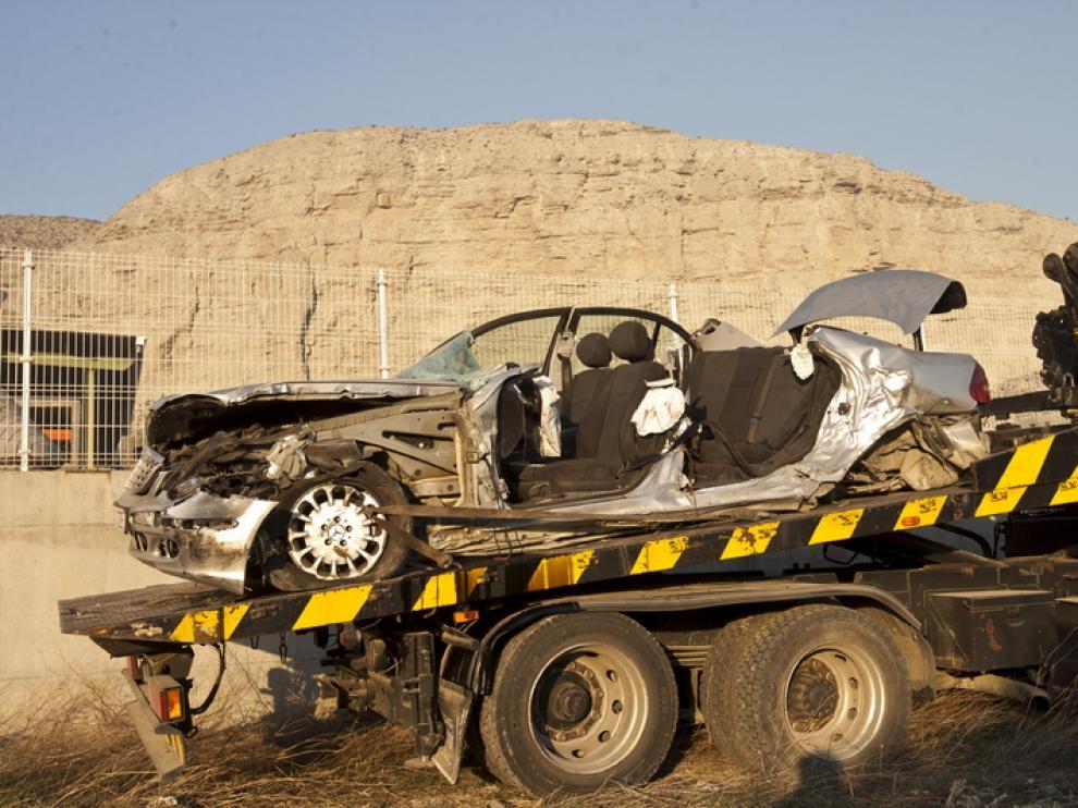 Estado en el que quedó uno de los vehículos siniestrados en Alfajarín