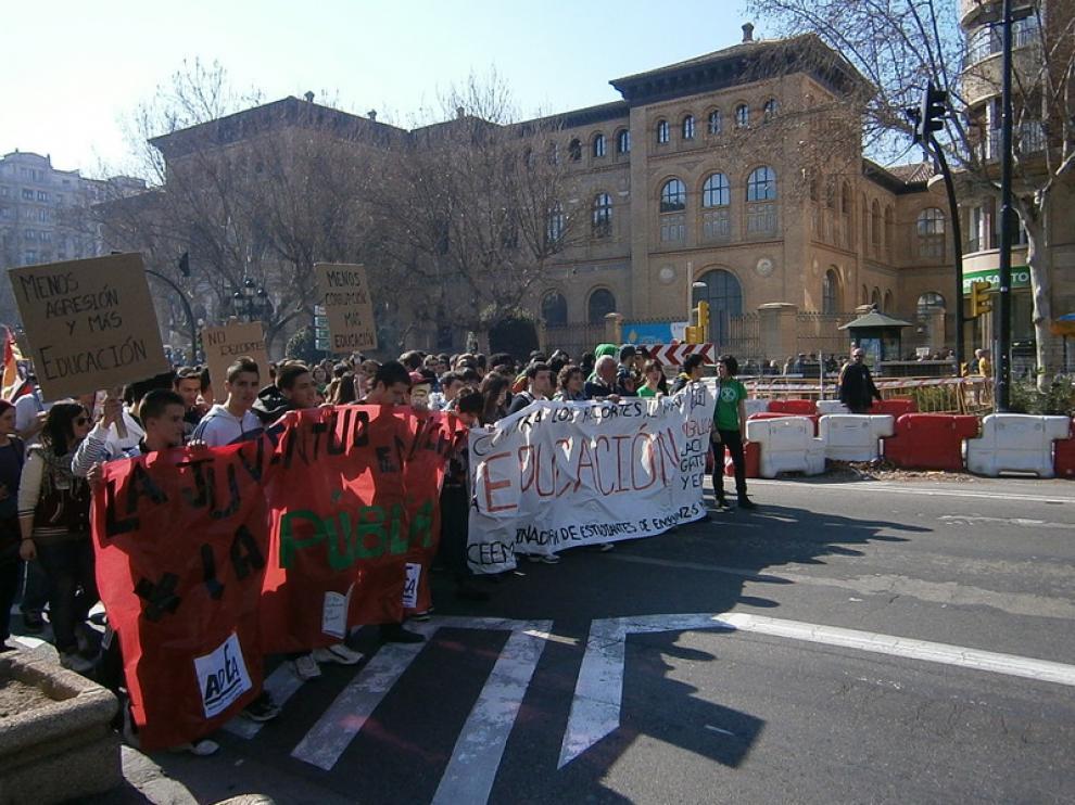 Manifestación contra los recortes educativos