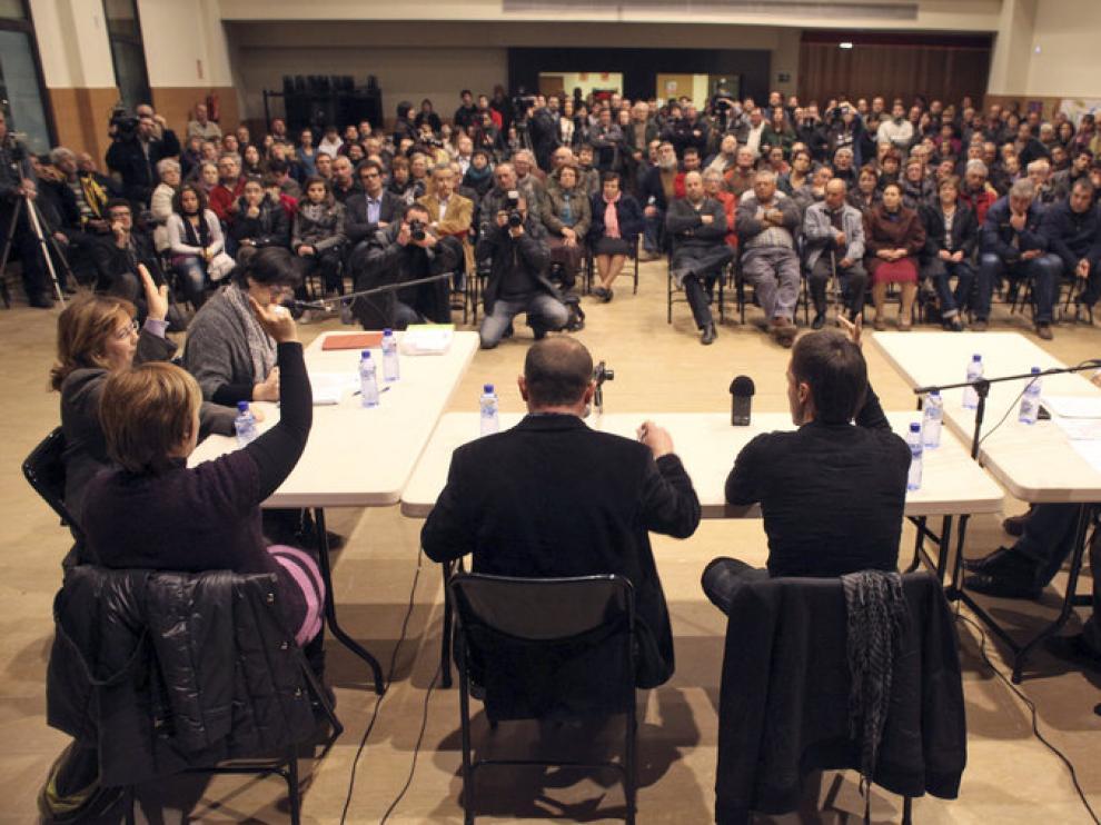 Pleno municipal celebrado en el municipio de Rasquera.