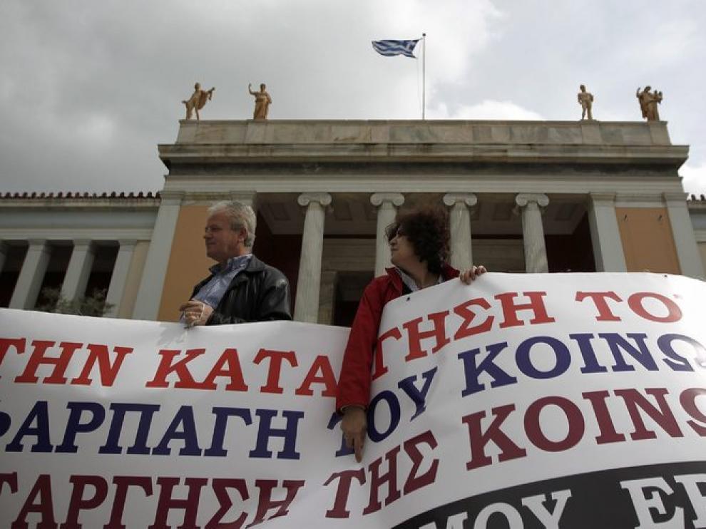Protesta de los empleados de la Agencia de Vivienda Social en Atenas.