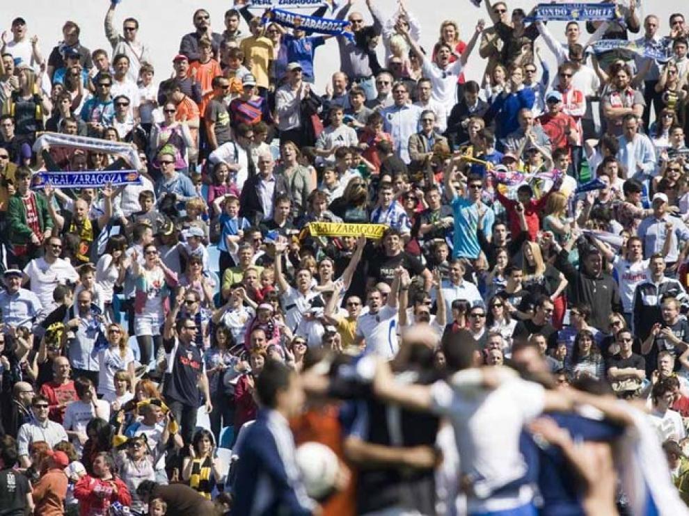 Imágenes del partido en La Romareda