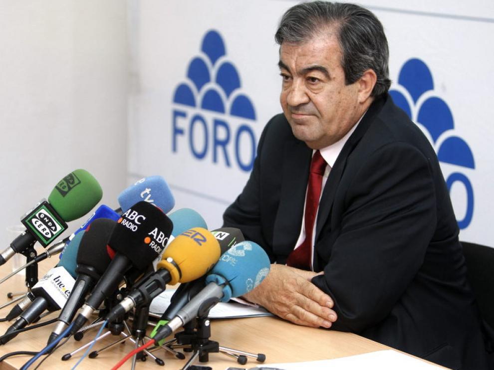 Francisco Álvarez Cascos durante una rueda de prensa.