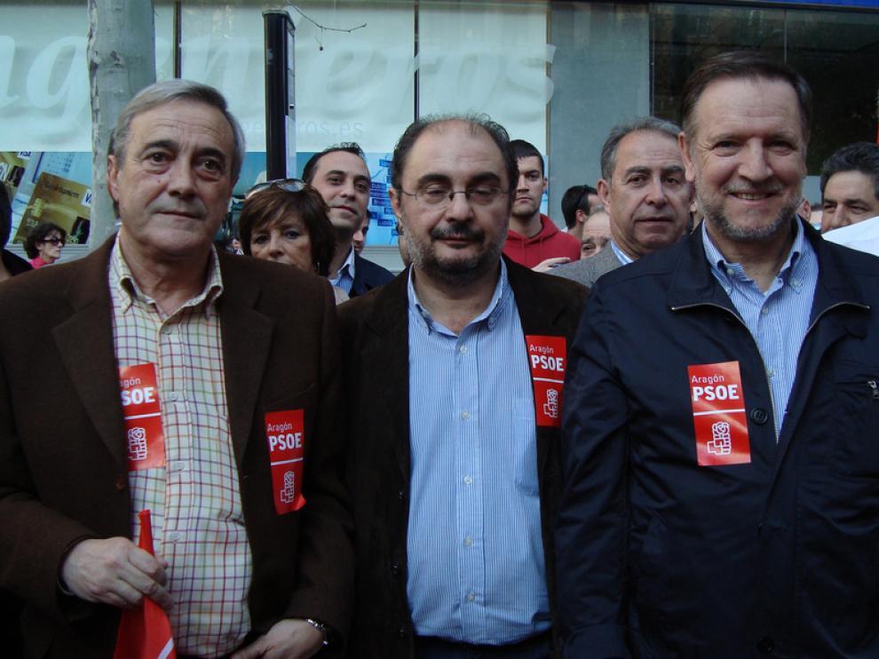 Javier Sada, Marcelino Iglesias y Javier Lambán han acudido a la manifestación