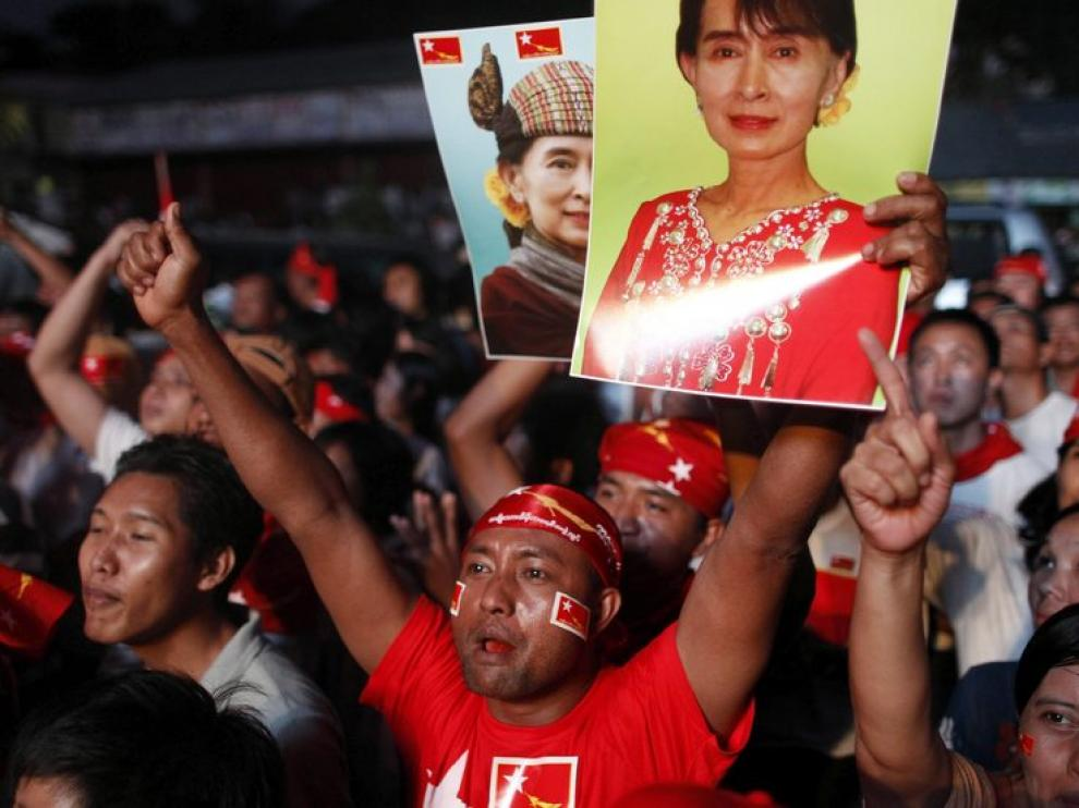 Seguidores de Suu Kyi celebran los resultados