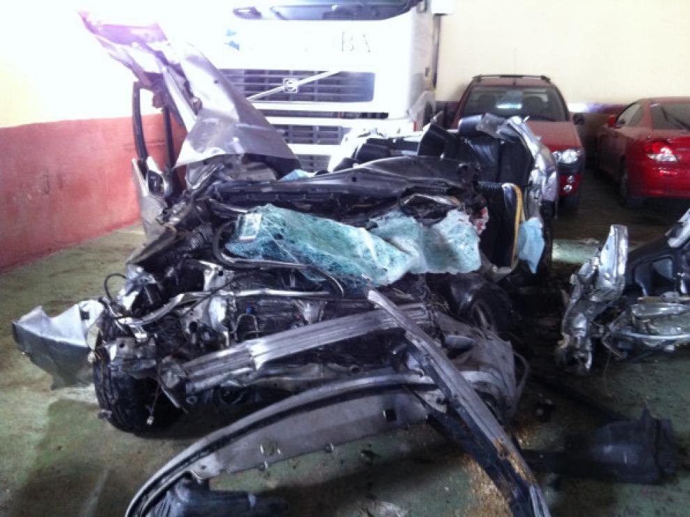 Imagen de cómo ha quedado el vehículo implicado en el accidente