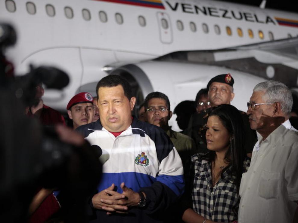 Hugo Chávez a su llegada a Venezuela