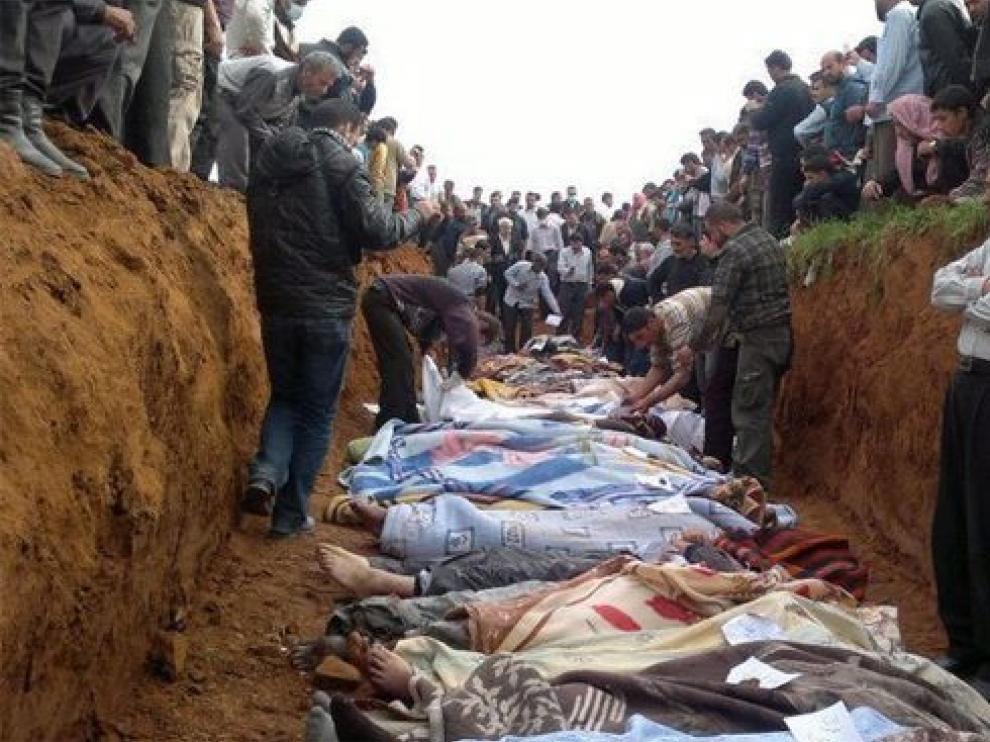 Fotografía sin fecha, facilitada por los opositores, en la que se muestra una fosa en la ciudad de Taftmaz