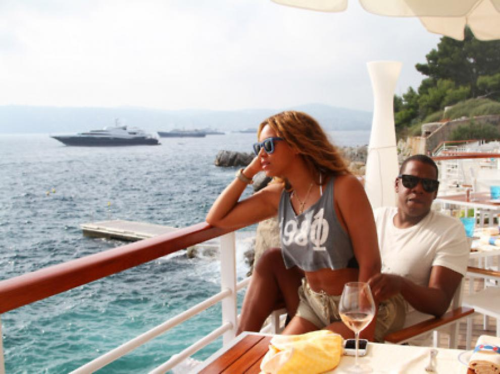 Beyonce de viaje con su novio