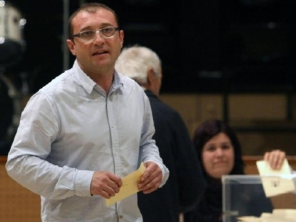 El alcalde durante la votación del martes