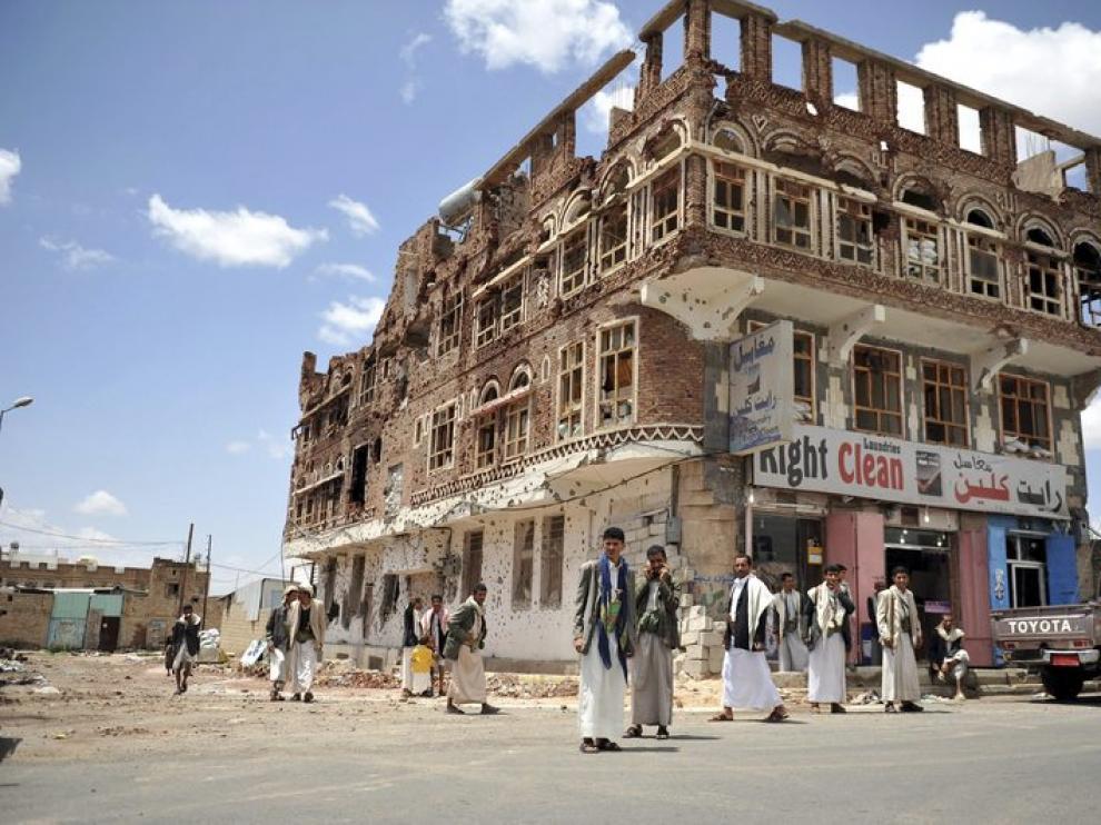 Edificio afectado en la ciudad de Saná