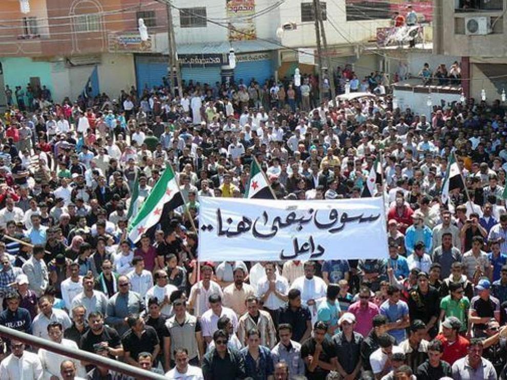 Ciudadanos sirios, durante una protesta