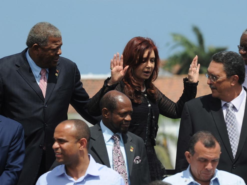 Cristina Fernandez gesticula en una foto de la cumbre