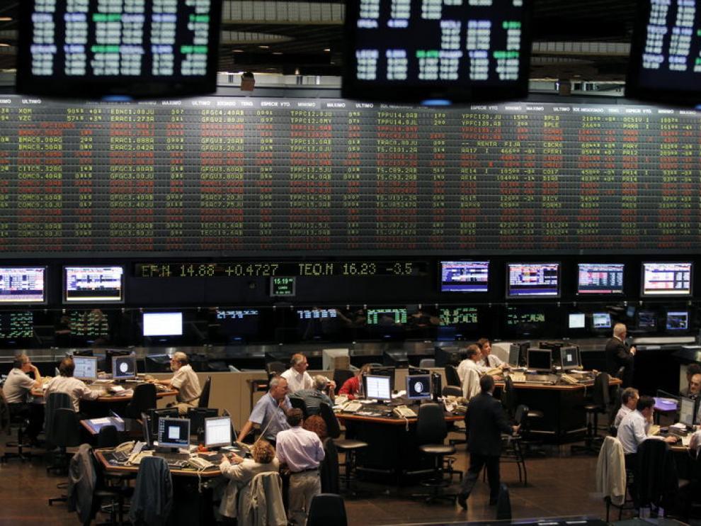 La cotización de las acciones de la petrolera argentina YPF fueron suspendidas este lunes en la Bolsa.