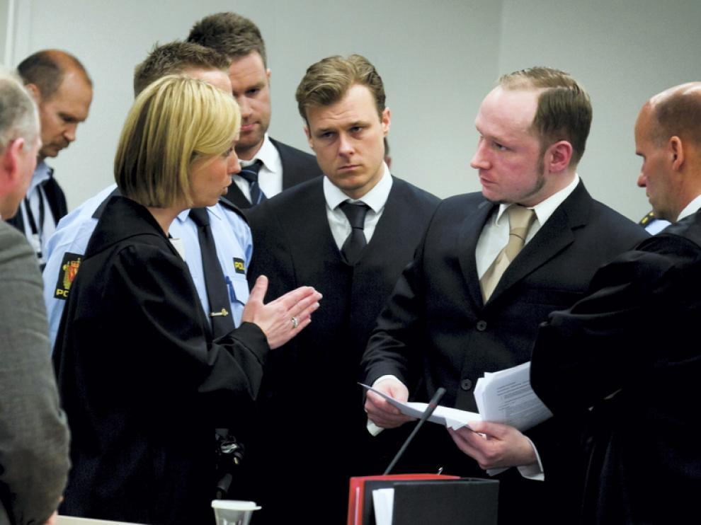 La jueza llama la atención a Breivik