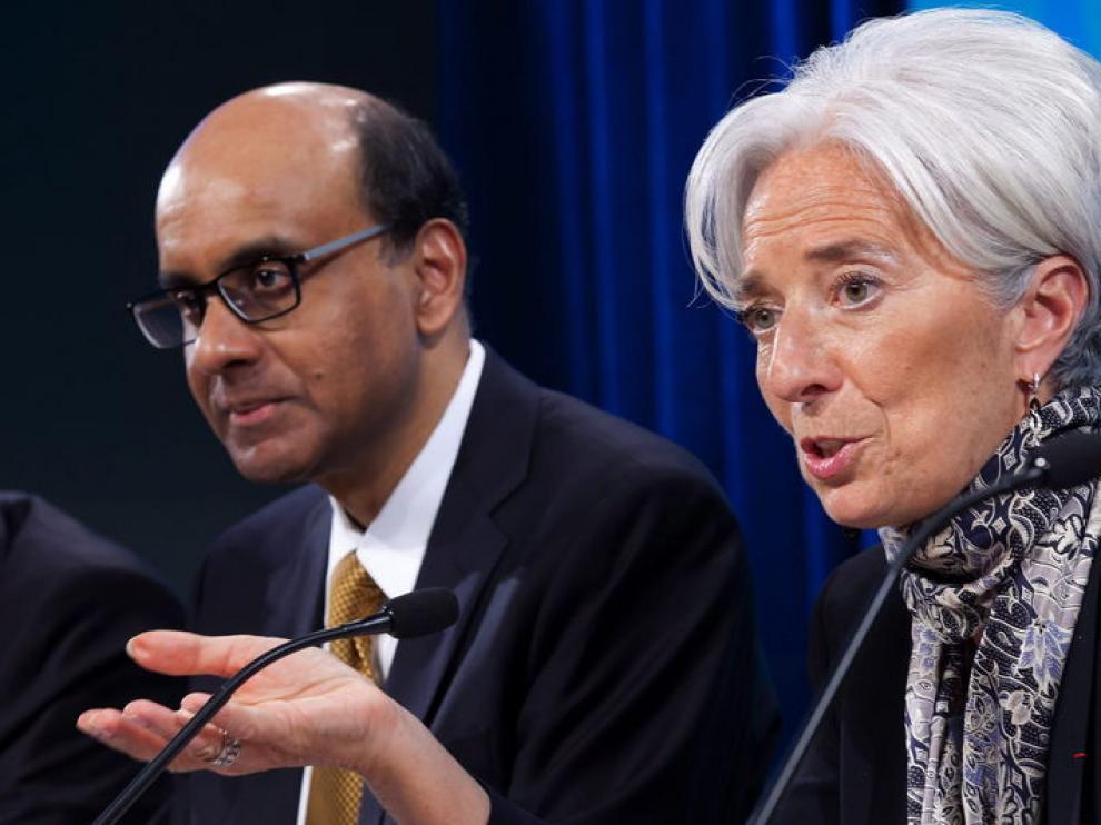 El ministro de Finanzas de Singapur y la directora del Fondo Monetario Internacional, Christine Lagarde.
