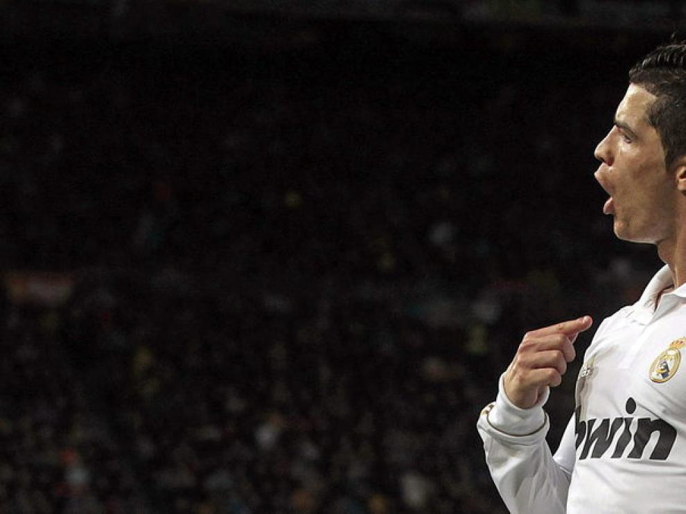 El delantero portugués del Real Madrid Cristiano Ronaldo celebra su gol,