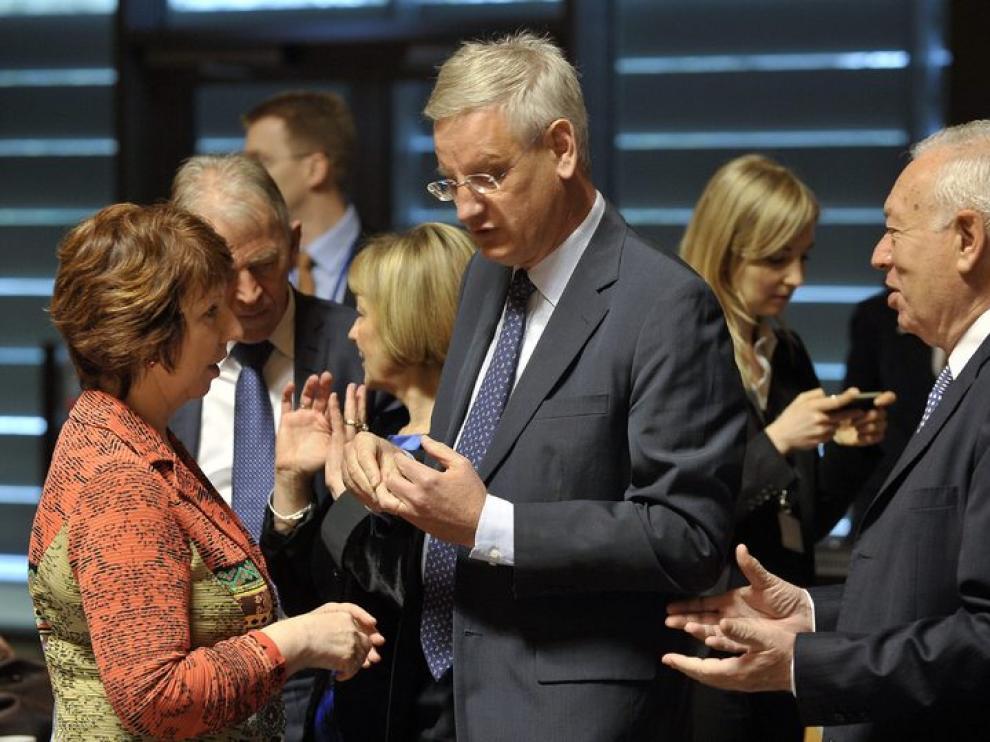 El  Ministro de Asuntos Exteriores, García Margallo (d) junto a Ashton
