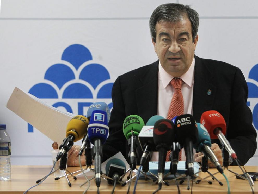 Francisco Álvarez Cascos durante una rueda de prensa donde ha hecho el anuncio de su candidatura.