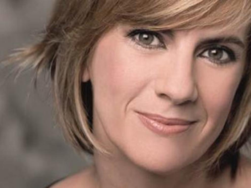 Gemma Nierga es la encargada de dar voz al programa.
