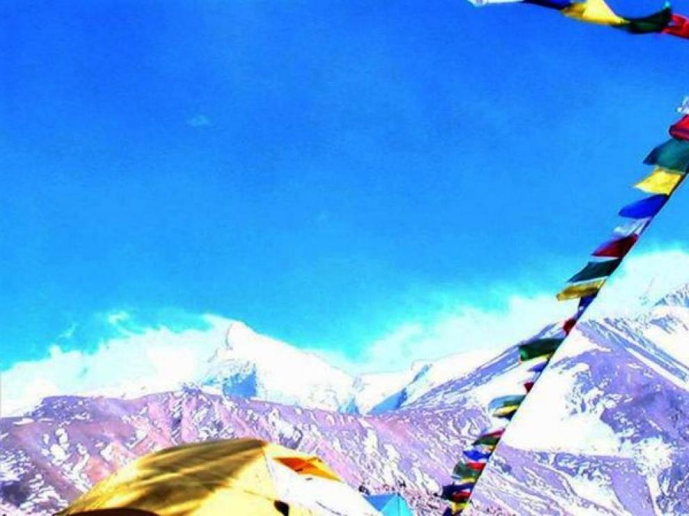 """""""Viento helador"""" en el Shisha Pangma"""
