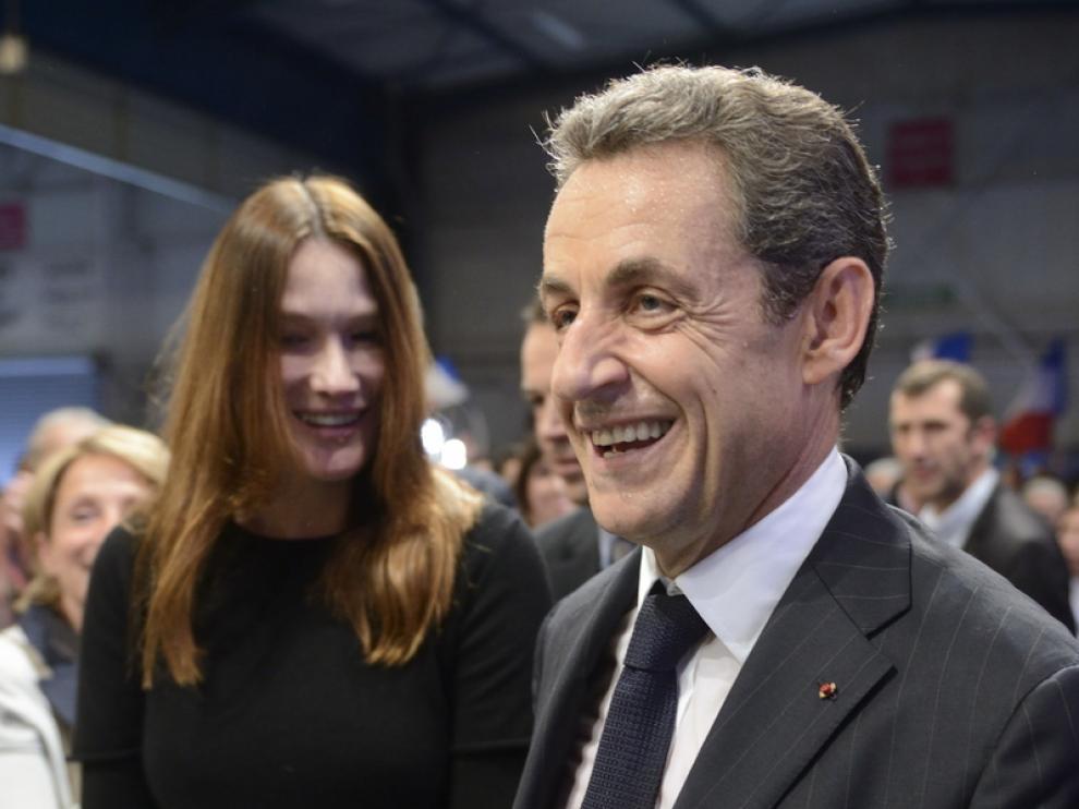 Sarkozy, junto a su esposa, Carla Bruni