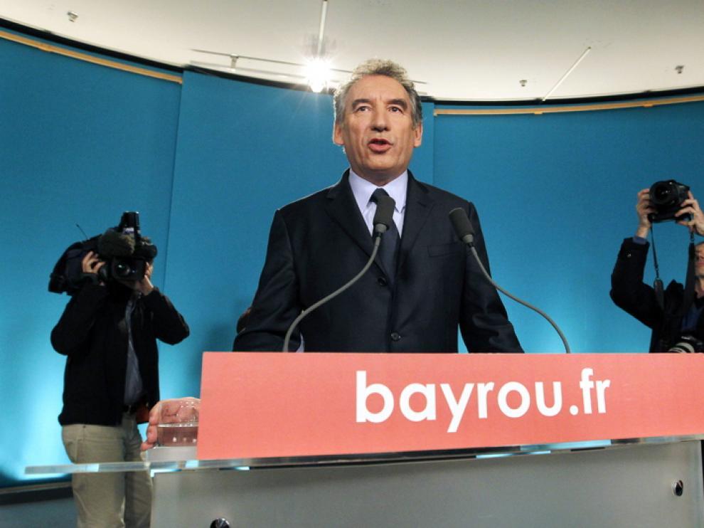 El candidato centrista François Bayrou durante una rueda de prensa.