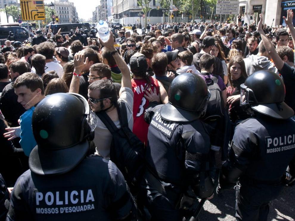 Miles de estudiantes se han manifestado en Barcelona