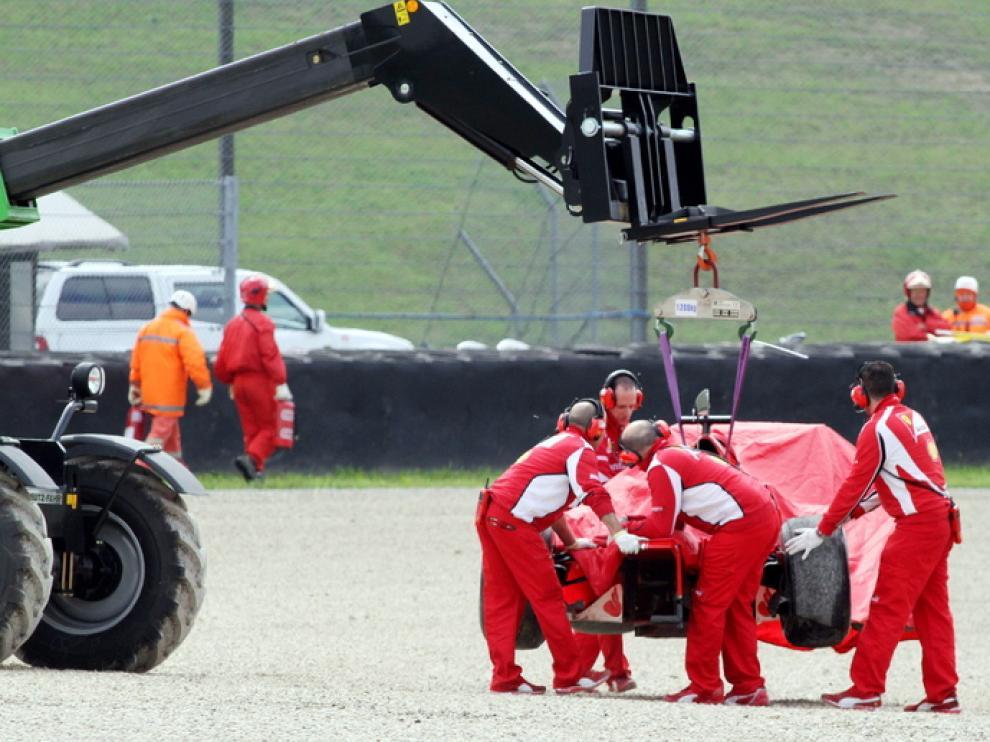 El coche de Alonso tras salirse de pista