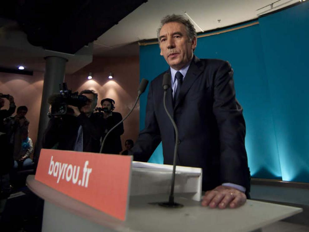 Bayrou apoyará a Hollande