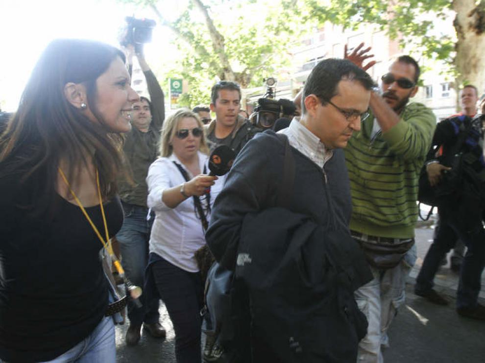El hermano de José Bretón a la salida de los juzgados