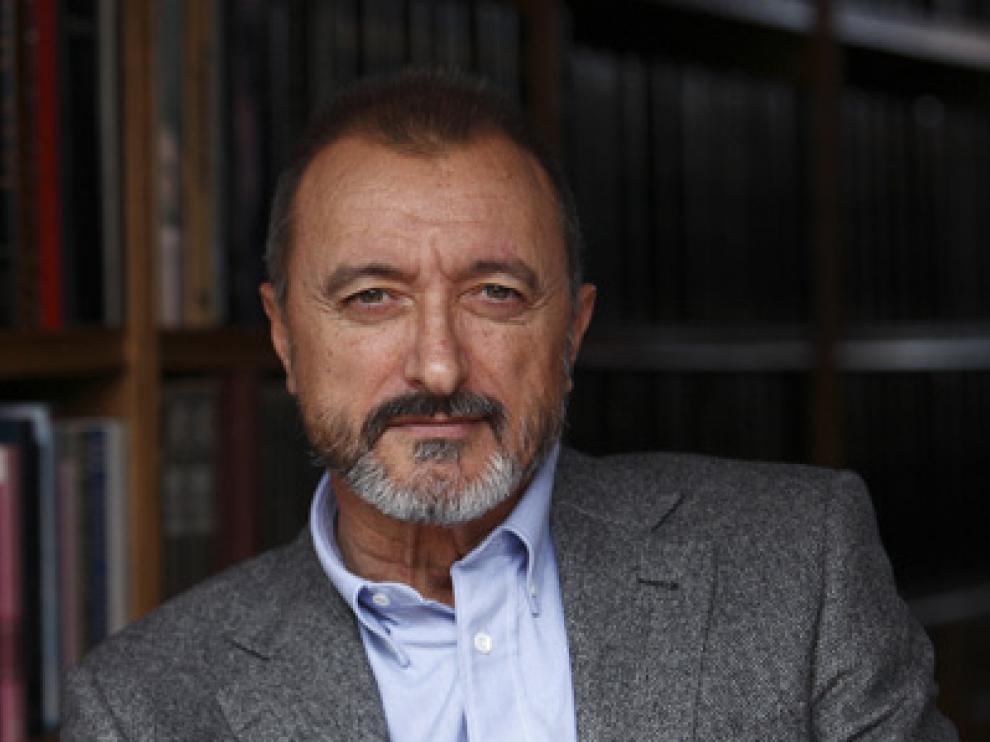 Pérez-Reverte desvela en su página web algunas incógnitas de su nueva novela.