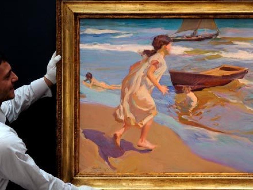 'Niña entrando en el baño' un cuadro de Sorolla