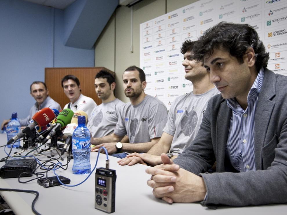 Rueda de prensa de los jugadores y el club Caja 3 Aragón