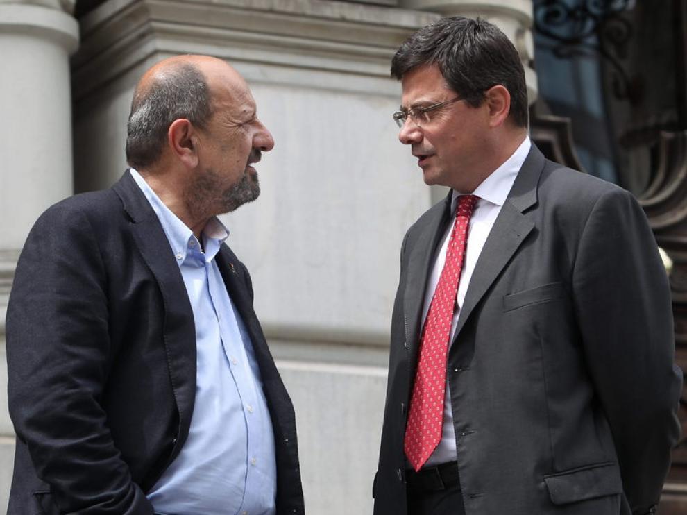 A la izquierda, el socialista Francisco González