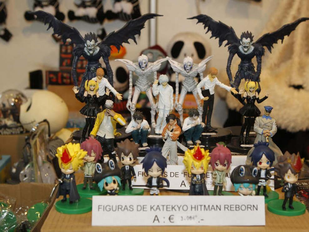 Algunas de las figuras que se pueden adquirir en Expomanga