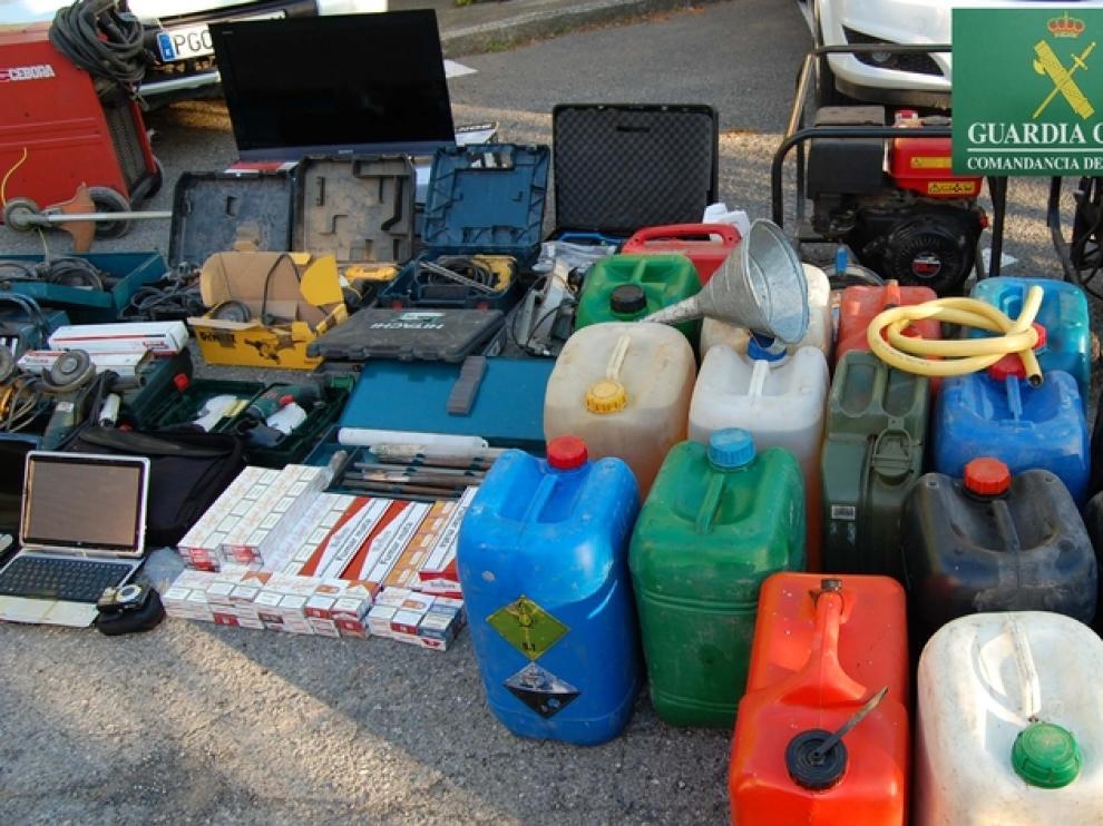 Algunos de los objetos robados.