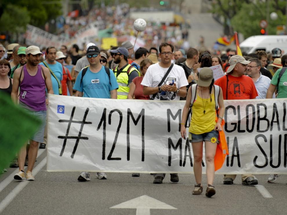 Manifestantes de camino a Sol