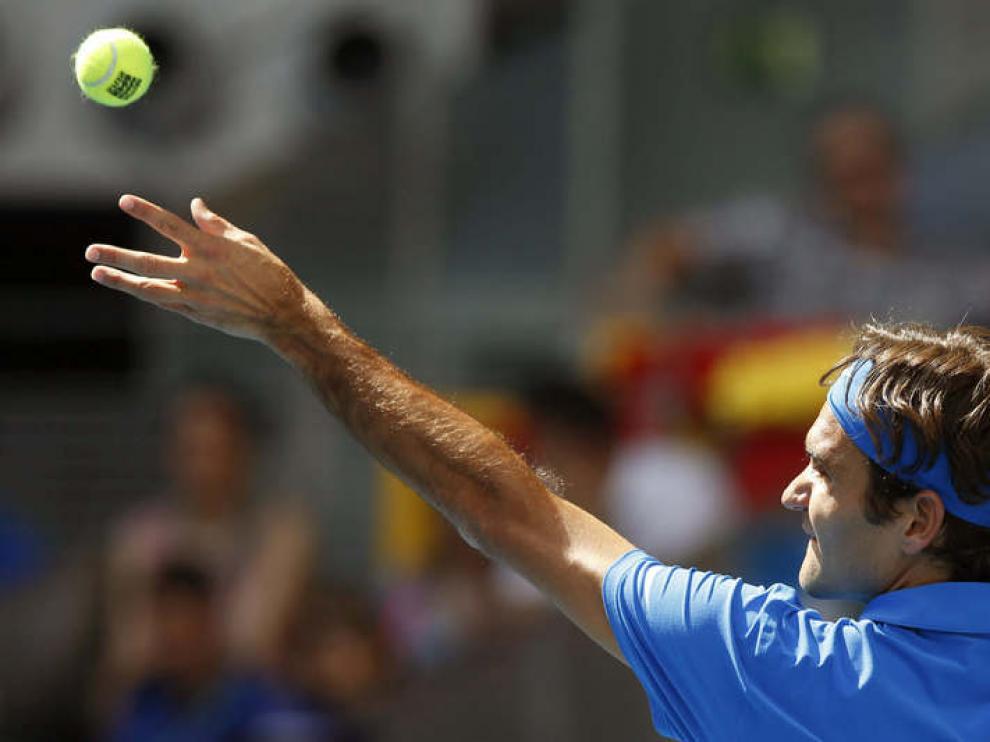 Federer durante un servicio de la final